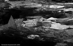 kruiend ijs urk 1 (raymondklaassen) Tags: winter flevoland ijsselmeer januari urk ijs vorst dooi kruiendijs ijsvlakte