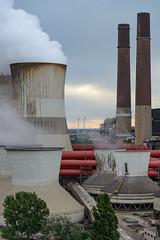 Groe Kraft und kleine Kraft (G_Albrecht) Tags: industrie rwe sonne sonnenaufgang sonnenschein umwelt wetter