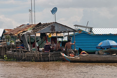 Floating village (CowPalmTree) Tags: cambodia floatingvillages kompongkhleang khleang