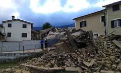 14311339_181674378934286_4197437439562356457_o (superenzo) Tags: casale terremoto