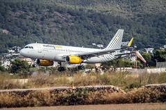 A 320 -232   Vueling  ( tomando en Ibiza ) (ibzsierra) Tags: ibiza eivissa baleares canon 7s 100400isusm vueling a320 a320232 ecmle avion plane aterrizaje