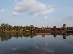Angkor Wat (mhamrah) Tags: ruins cambodia angkorwat temples siemreap angkor
