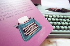 Livro: Depois dos quinze (giessiramos) Tags: pink color macro love vintage book blog fuji heart livro s2800 depoisdosquinze brunavieira s2850 fotografosonhos