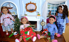 Christmas Morning (melimeli - photos) Tags: christmas girl dolls american jess kit mckenna