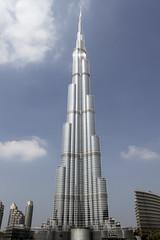 Burj Khalifa - Dubaï (xveair) Tags: city blue sun white hot tower weather architecture al sand dubai desert uae culture emirates zayed khalifa arab marble roads abu dhabi emir islamic burj zahyed