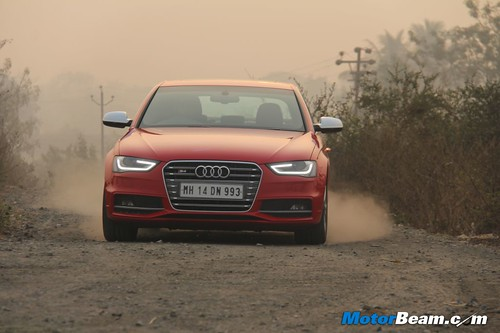 2013-Audi-S4-50