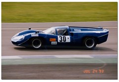 Terry Smith Lola T70. International Supersports Cup. Coys Historic Festival at Silverstone 1993. (Antsphoto) Tags: classic car northampton britain historic 1993 sportscar motorsport autosport canam supersports motoracing antsphoto silverstonehistoricfestival anthonyfosh