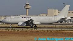 YL-LCP - Monarch Airlines - Airbus A320-232 - PMI/LEPA (Juan Rodriguez - PMI/LEPA) Tags: nikon d90 70200mm 80400mm sigma pmilepa aeropuerto airport sonsanjuan sonsantjoan palma mallorca aeroplano plane airplane aircraft airbus a320 monarchairlines yllcp
