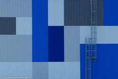 ALLES NUR FASSADE (rolleckphotographie) Tags: architecture architektur fassade facade minimal minimalism stefanrollar stairs urban sony slta65v rolleckphotographie bochum treppe