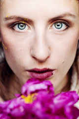 (getbehindme // alinekoehler.de) Tags: canon 70d 50mm ef50mmf14usm germany brunswick braunschweig closeup portrt portraiture portrait selfportrait selfie female model woman blue eyes freckles sommersprossen peony floral flower people photography beauty fashion makeup rose rosa nude catchycolors pink yellow summer sommer summertime sadness strong look available light frontal freckled soft tones lips