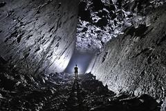 Pendage (flallier) Tags: carrire souterraine ciment prompt silhouette pendage tunnel galerie underground cement quarry calcaire