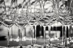 Durchblick (Tomsch) Tags: blackwhite schwarzweiss bw sw glas glser glass glasses reflection reflections reflexionen spiegelung closeup