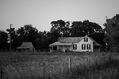 Little House (DustinJ05) Tags: leica m typ 240 50mm summilux f14 wide open traveling late afternoon color sunsetting outdoor
