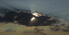 la vision douce (doubichlou) Tags: ciel sky nuage cloud val marne ile france banlieue suburb
