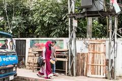 H504_3525 (bandashing) Tags: hijab burkah niqab couple truck street people walk sylhet manchester england bangladesh bandashing socialdocumentary aoa akhtarowaisahmed