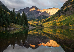 First Light Maroon Lake (BernieErnieJr) Tags: maroonbells maroonlake marooncreekrd aspen colorado greatphotographers teamsony rockymountains carlzeiss2470mm reflection water snow mountains mountain 14er northmaroonpeak14014feet maroonpeak14156feet lake reflections clouds sunrise sonyslta99v
