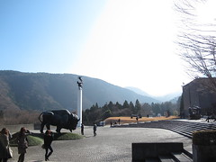 IMG_1115 (d3_plus) Tags: sky sculpture art statue japan museum fuji sunny appreciation engraving  fujisan  touring mtfuji g12  hake       canonpowershotg12 beat660  isw16sh thehakeopenairmuseum