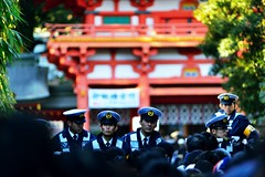 Happy New Year! (hidesax) Tags: people men japan nikon gate shrine police saitama nikkor omiya newyearsday   newyearsvisit nikkor80200mmf28ded hidesax d800e nikond800e omiyahikawashrine