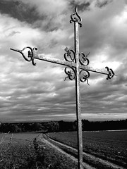 Cross (Picowatt) Tags: blackandwhite apple nature clouds iron cross nuages fer croix iphone noiretbalnc