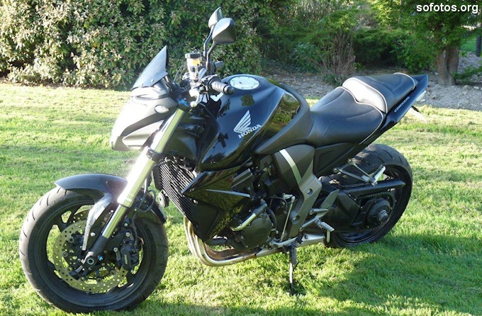Honda CB 1000R Preta