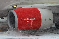 LOWS 12.01.13 SAS B73G retail fan (howuch) Tags: winter salzburg plane airport jet norwegian apron airbus boeing flugzeug takeoff niki redbull innsbruck jumbo charter easyjet transavia a320 b747 piste winglets § samstag aeroflot lows airberlin a319 a321 b737 hangar7 jet2 abflug b757 b777 flieger anflug ilyushin il96 b747400 777300 vorfeld b738 flyniki transaero tuifly howuch fdfi flughafenfreunde
