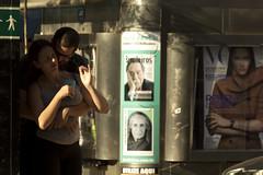 brasileiros, utilize aqui. (**) Tags: street streetlife streetphotography foto fotoderua femme mulher woman donna casal couple coppia brasil brazil brasile brsil brasileiros brazilian bresilien brasiliani pensador thinker useithere flagra love amor amore namoro