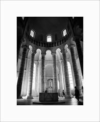 Fontevraud #8 (Guillaume et Anne) Tags: fontevraud abbaye chateau castle loire france canon 6d 35mmf2is 35mmf2 35 35mm ef35 f2 noiretblanc bw