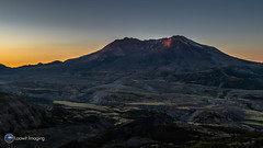 A spectacular sunrise at Mount St. Helens (Loowit Imaging - Steve Rosenow, Photographer) Tags: mountsthelens mtsthelens sthelens volcano mountain landscape scenic scenery pacificnorthwest volcaniclandscape nikon nikond5500