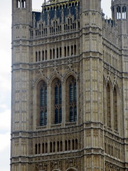 IMG_5703 (Autistic Reality) Tags: london uk unitedkingdom britain greatbritain unitedkingdomofgreatbritainandnorthernireland england architecture building structure greaterlondon innerlondon housesofparliament city westminster cityofwestminster palaceofwestminster palace parliament government capitol governmentbuilding seatofgovernment legislature charlesbarry augustuswelbynorthmorepugin augustuspugin sircharlesbarry tower victoria queenvictoria qvr victoriatower