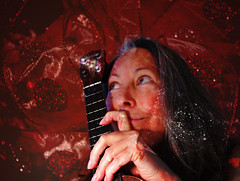 49/52 Festive Ruth (ruthlesscrab) Tags: texture spc hss silderssunday week49theme 522012 52weeksthe2012edition weekofdecember2 ukulelemaniacemergingfromachristmasbow