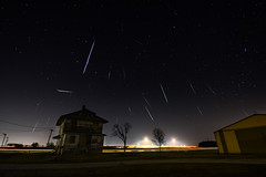 Geminids Light Show (PeteTsai) Tags: chicago shower photo long exposure image picture pic photograph meteor 2012 geminids