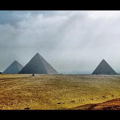 memories2004 #egypt #egypte #africa #afrika #photooftheday... (A3No) Tags: africa egypt afrika pyramids egypte teg gizeh photooftheday piramiden uploaded:by=flickstagram instagram:photo=3764414792818061 memories2004