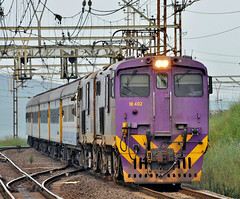 18-402 with Shosholoza Meyl / Trans Natal (SAR Connecta) Tags: railway trains sas sar prasa shosholozameyl