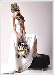 faschion divat fejdsz juliacarina (Eskvi fejdsz) Tags: wedding white fashion design hungary julia handmade lace carina wear showroom accessories bridal visual magyar weil ruha stylist eskv weddign fehr fascinator individuell fot menyasszony ftyol eskvi kiegszt kszlt stdi kzzel csipke egyedi kszts artbalance fejdsz csipks eskv visualmerchandieser merchanieser