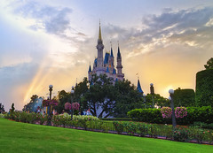 Sunset at The Magic Kingdom (Allen Castillo) Tags: sunset castle orlando nikon florida disney waltdisneyworld hdr themepark magickingdom cinderellascastle photomatix cs6 nikcolorefex d7000