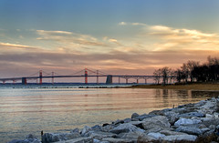 Purple Bridge (Tom Haymes) Tags: bridge sunset rocks dusk maryland baybridge annapolis suspensionbridge chesapeake chesapeakebay annapolismaryland chesapeakebaybridge clouse