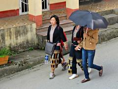 Black Hmong (Linda DV (away)) Tags: travel people canon geotagged asia southeastasia culture vietnam clothes ethnic minority sapa hmong laocai 2012 ethnology blackhmong ethnicminority minoritéethnique laocaiprovince minorité ethnischeminderheid minderheid lindadevolder powershotsx40