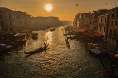 Happy New Year from the Rialto (Alexandre Moreau | Photography) Tags: bridge venice sunset rialtobridge water fog canal grand venise venezia rialto