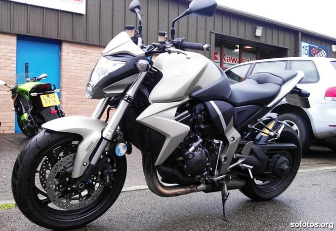 Honda CB 1000R Prata 2010