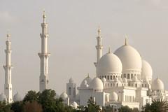 Sheikh Zayed Mosque (qitsuk) Tags: day cloudy uae mosque emirates abudhabi unitedarabemirates sheikhzayedmosque