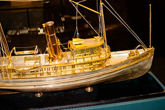 CU438 Brass Ship Model (listentoreason) Tags: usa philadelphia metal america canon model unitedstates pennsylvania favorites places material brass pennslanding scalemodel ef28135mmf3556isusm score30 independenceseaportmuseum philadelphiamaritimemuseum