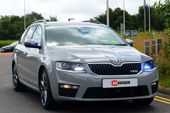 Unmarked Traffic Car (S11 AUN) Tags: road car team estate traffic police safety dorset vehicle roads emergency skoda octavia unit 999 vrs unmarked rpu policing noexcuse anpr 65reg