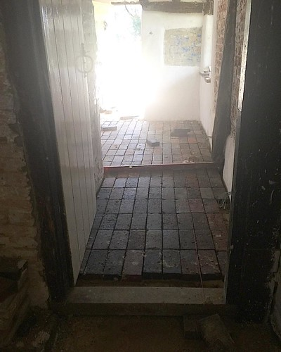20 07 2016 kitchen floor being laid - traditional reclaimed bricks