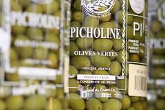 Picholine (crowfoto) Tags: oliven olives food eat green glass bottle sud sden suddefrance bokeh