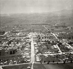 Bega looking west - 17 Nov 1937 (Royal Australian Historical Society) Tags: adastraaerialsurveycollection rahs royalaustralianhistoricalsociety bega 1937 landscape aerialphotography