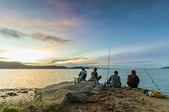 Anglers watching sunset (<Pirate>) Tags: batu kawan jetty musang anglers watching sunset ray masters soft gnd 9 canon 1018 is stm landscape seascapes