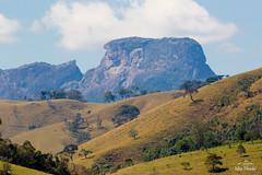 IMG_F7674 (Max Hendel) Tags: sbentodosapucaspbrazil bymaxhendel maxhendelphotography pedradoba bastone stone climbing montanhismo alpinismo montanhas brazilmontain lanscape arlivre bluesky