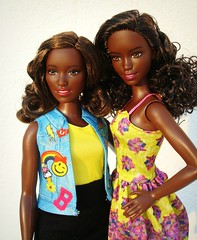 Sisters (Deejay Bafaroy) Tags: barbie fashionistas curvy doll dolls puppe puppen girl girls mattel mollig portrait portrt outdoors draussen blue blau yellow gelb pink rosa black schwarz sisters schwestern