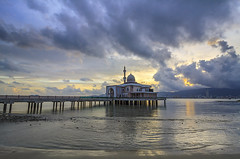 Before Maghrib (<Pirate>) Tags: penang port ncbt floating mosque loww tide sunset colorful landscape seascape butterworth september 2016 weather rain minaret ray masters gnd 9 soft 1018 is stm malaysia