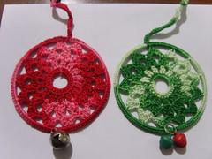 scacciapensieri 1 (Armonie di filo) Tags: verde bells crochet rosso filo rosone campanella scacciapensieri uncinetto cotone acchiappasogni